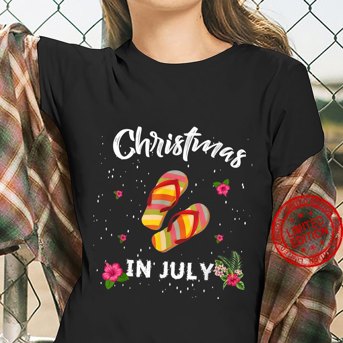 Funny Christmas In July Shirt Summer Beach Vacation Shirt ladies tee